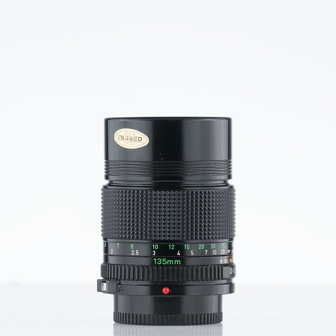 Canon New FD 135mm f/2.8